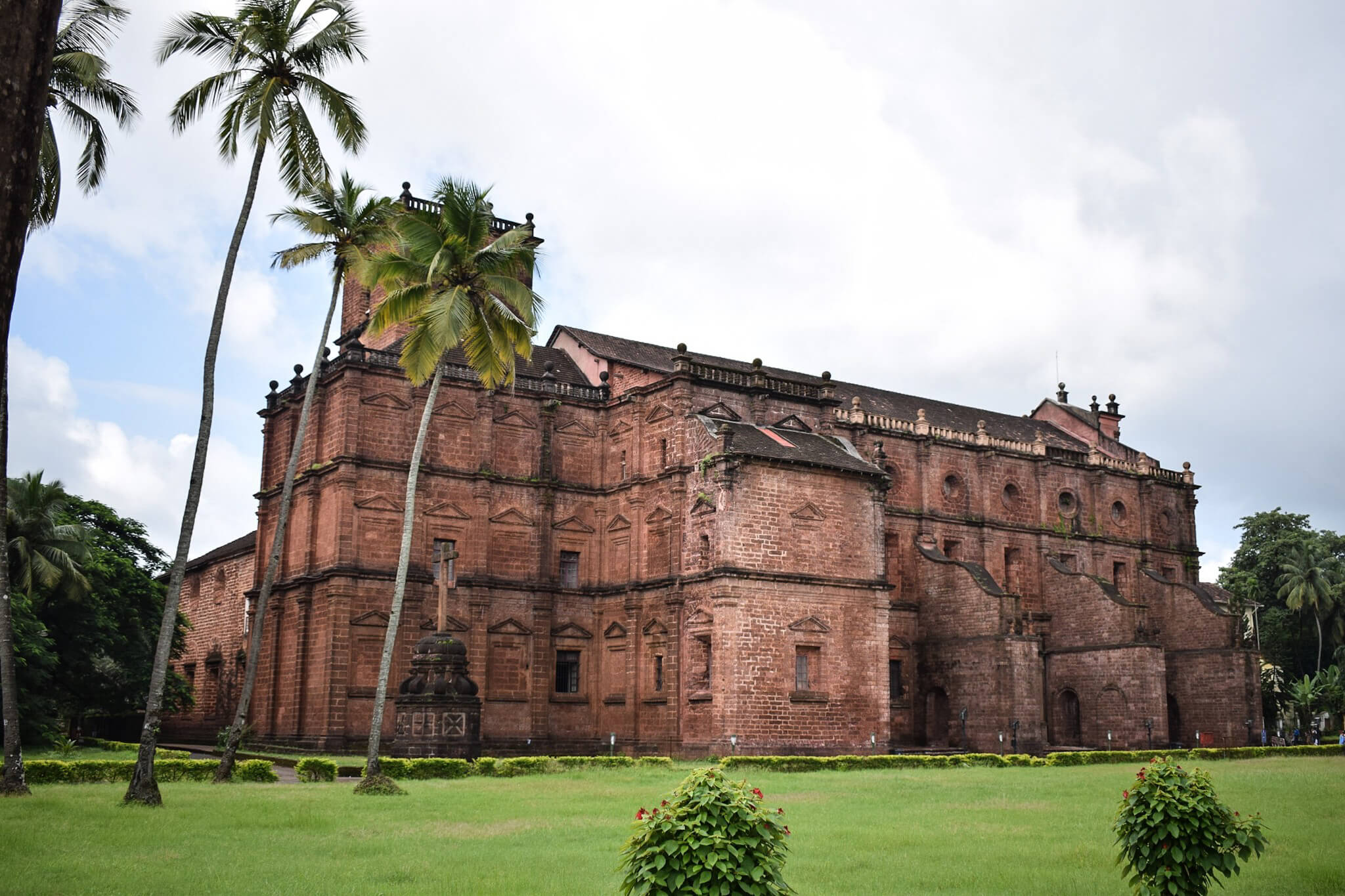 A Guide to All the Old Goa Attractions