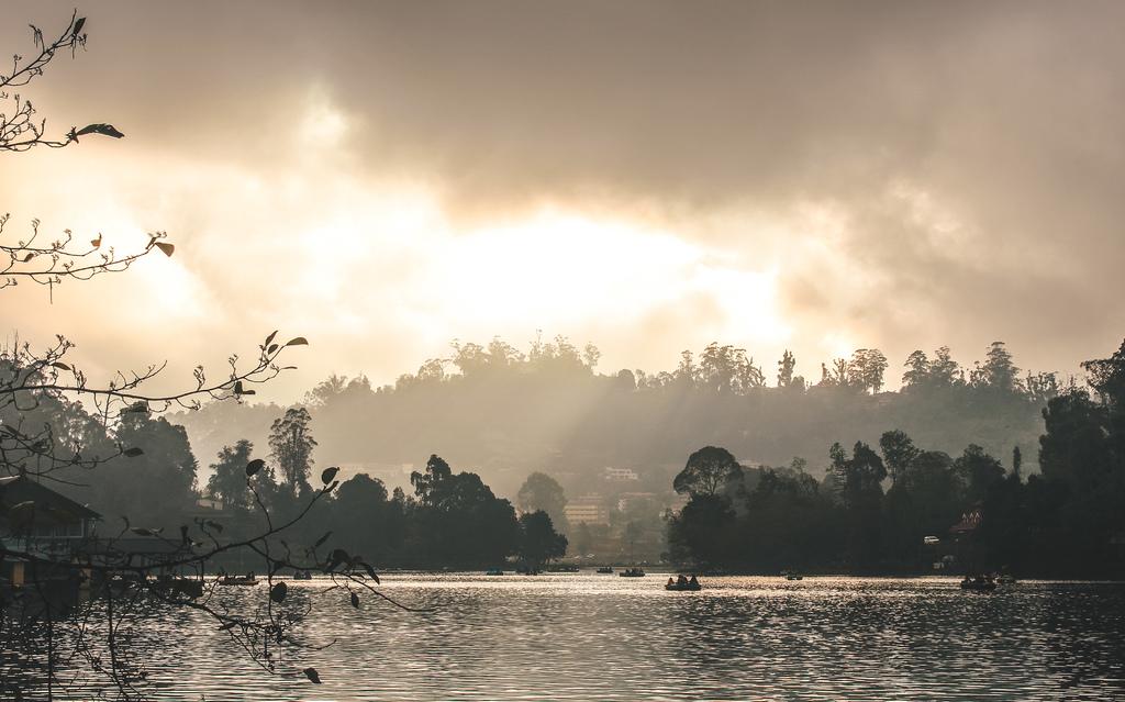Kodaikanal lake in places to visit in Kodaikanal in 2 days