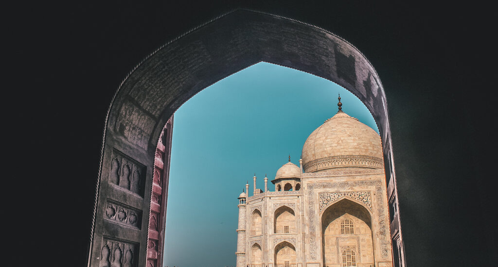 Taj Mahal visit - visiting tips + Agra travel guide