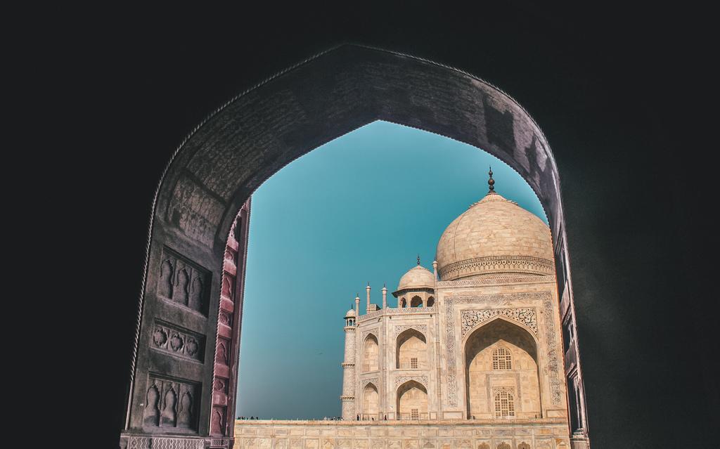 Taj Mahal visit - visiting tips + Agra travel guide