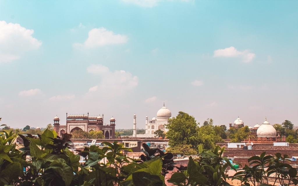 Hotel Saniya Palace - A Rooftop restaurant in Agra