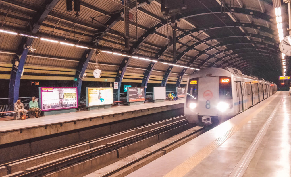 New Delhi Travel Guide - How to get around Delhi using Delhi metro