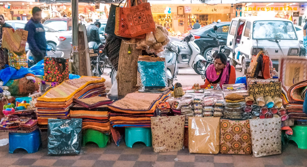 New Delhi Travel Guide - Shopping markets in Delhi