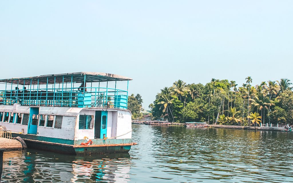 Tourist ferry in Alleppey backwaters, Alleppey, Kerala, India