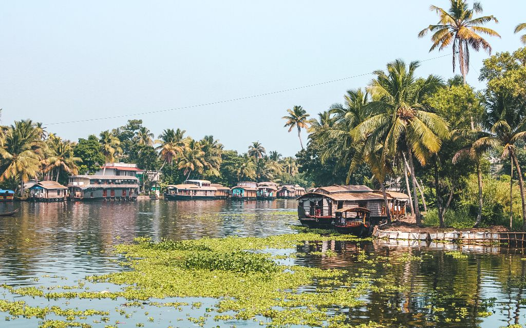 Alleppey backwaters travel guide
