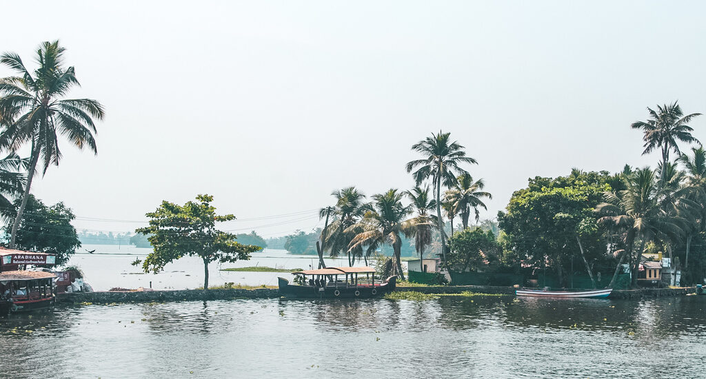 Backpacking Kerala travel guide and Kerala itinerary for 10 days