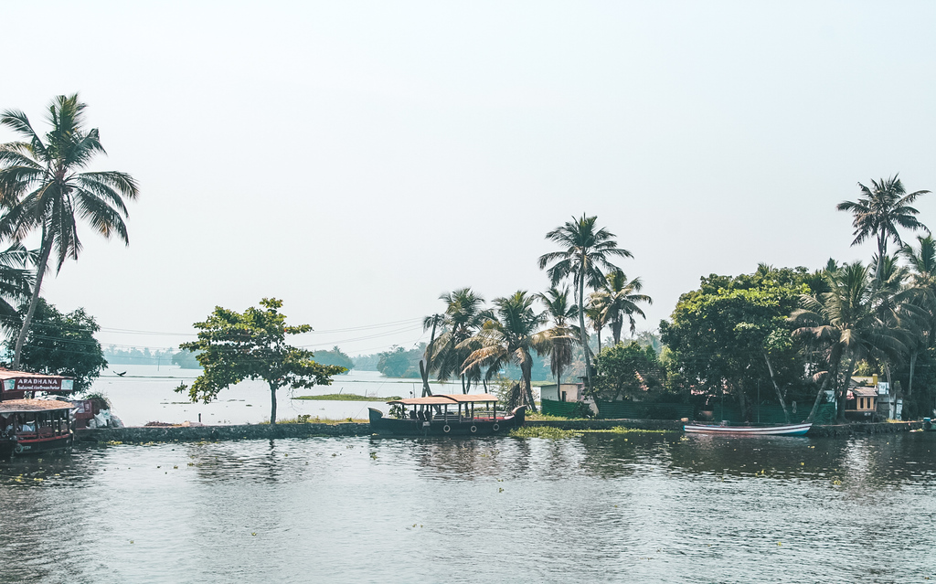 Kerala Itinerary for 10 Days & Backpacking Kerala Travel Guide