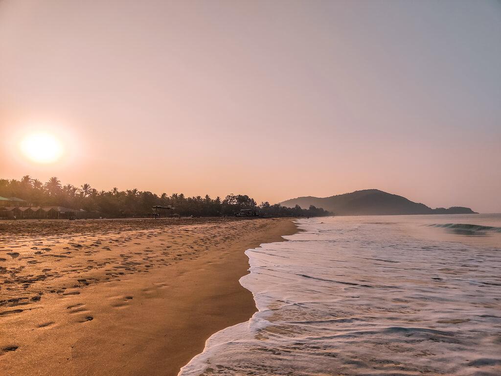 agonda-beach-goa-sunrise