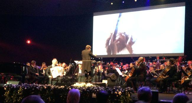 Dan Romer performs at the WSA Awards