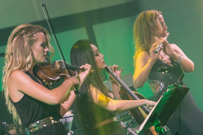 fmf video Caroline, Tina, Sara x650
