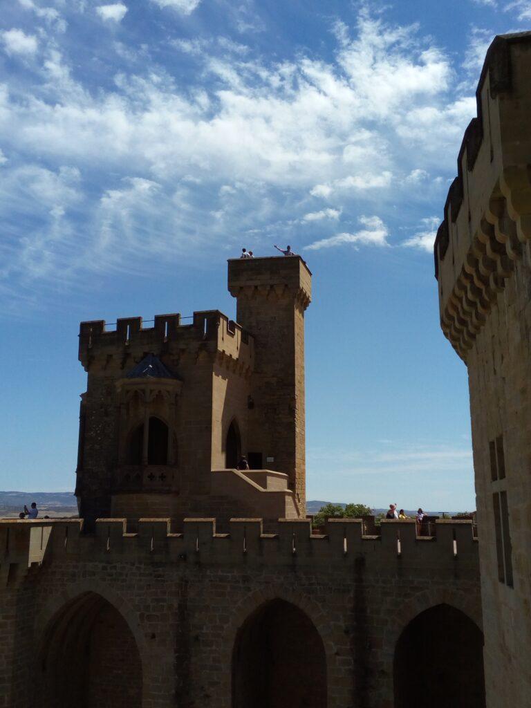 torres reconstruidas castillo olite