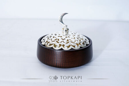 Round 10 cm wooden incense burner with carved cover and crescent