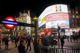 Piccadilly Circus   Londonices: Dicas de Londres