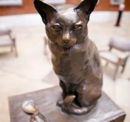 Talking Statue Estátua Gato Hodge