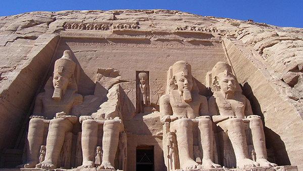 Abu Simbel con nefertari