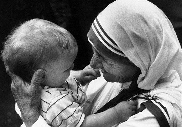 Madre Teresa e i bambini