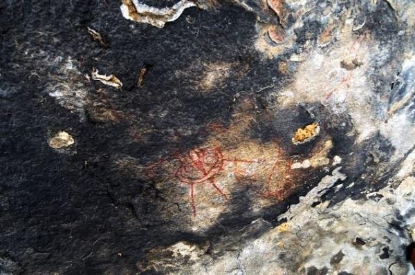 alieni in antiche pitture rupestri india astronave