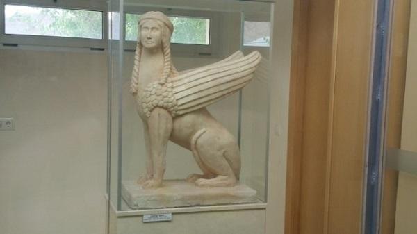 Sfinge mesopotamica ritrovata ad Agost 2