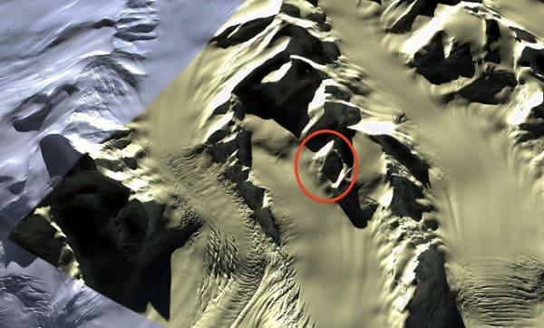 Google Earth alien face in Antarctica