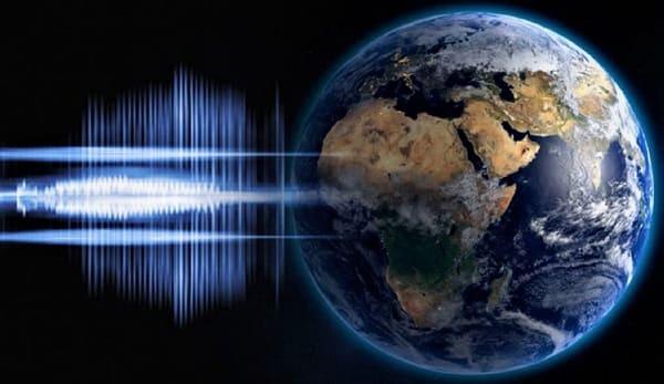 Persone segnalano strani suoni dal cielo 2020