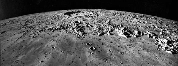 Esseri alieni sulla luna