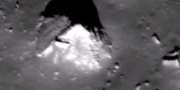 Pyramide auf dem Mond 2