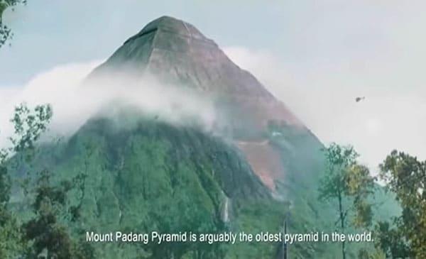 piramidi indonesia