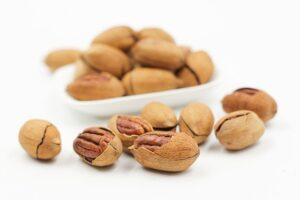 Benefits And Nutrients Of Eating Walnuts In Hindi