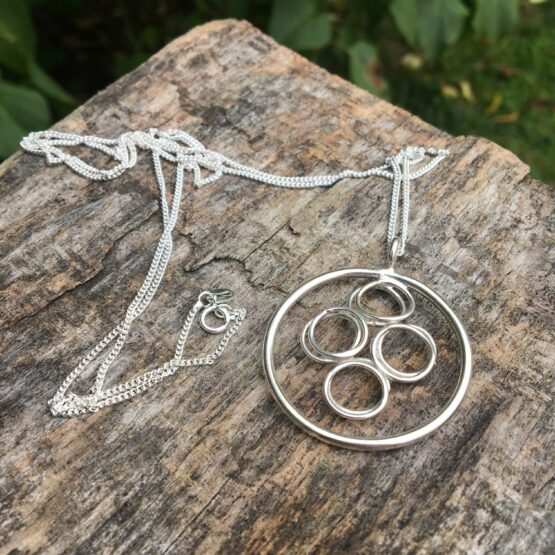 Chilli Designs long circles necklace
