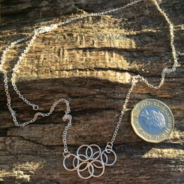 Chilli Designs circles chainmaille necklace
