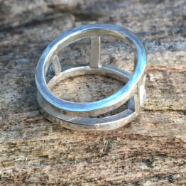 Chilli Designs windows ring