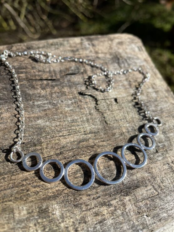 Chilli Designs bubbles line necklace