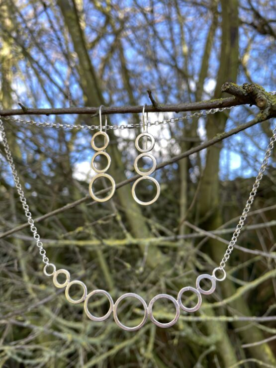Chilli Designs bubbles line necklace and earrings