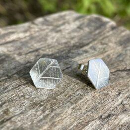 Chilli Designs hexagon leaf stud earrings