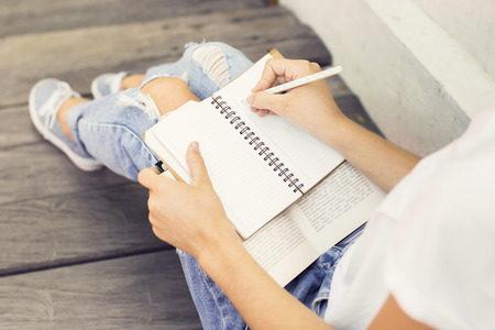 24-3 How Do I Organize My Days? - Vanessa Adelman