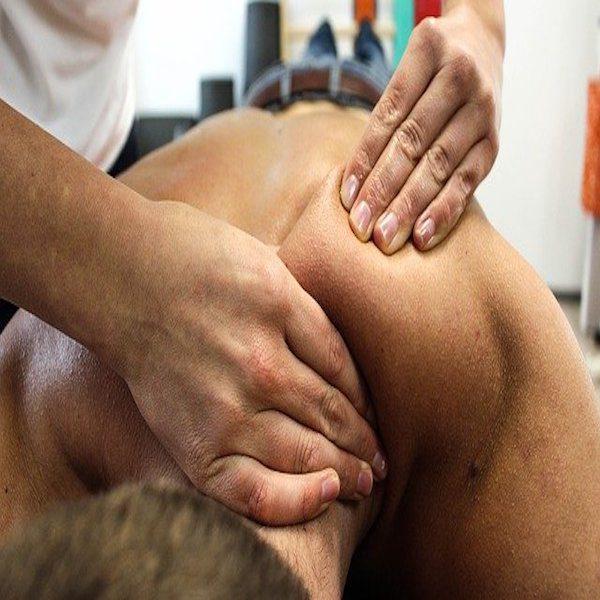 """La terapia manuale in Fisioterapia…non solo un """"massaggio""""!"""