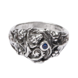 Bouquet Ring: Sea Shell With Sapphire