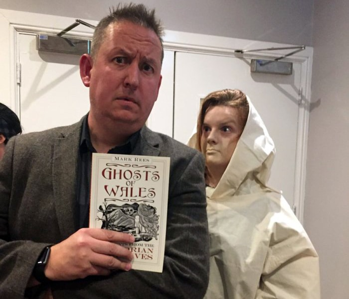 Storyteller Owen Staton with a ghostly friend