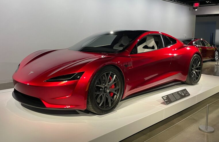 Tesla reveals Roadster with SpaceX package that goes from 0-to-60 mph in 1.1 seconds – the Quickest Ever