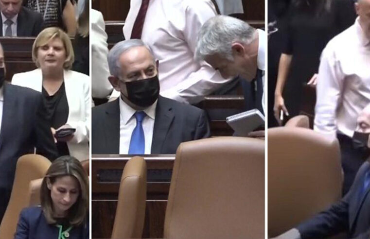 'Old habits die hard' – Netanyahu sits down in PM's seat shortly after being ousted from power