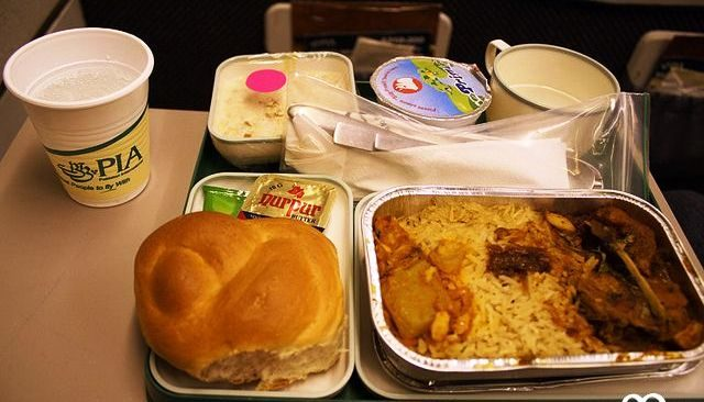 Ban on onboard meals revoked in domestic flights despite uptick in Covid infections