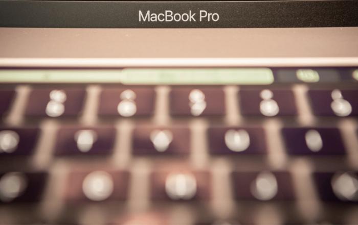 Buy MacBook Pro or wait