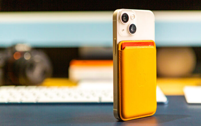 iPhone 13 mini MagSafe Wallet