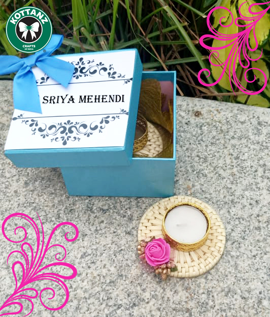 box with 2 candle lite