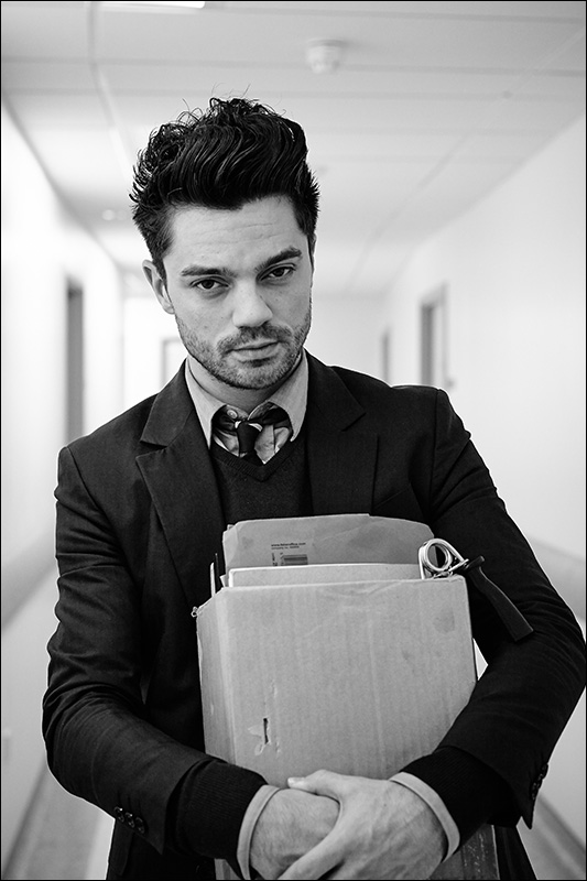 Dominic Cooper - Hello Carter