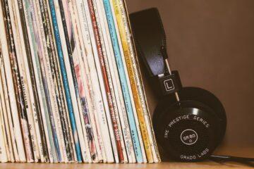 music headphone and books