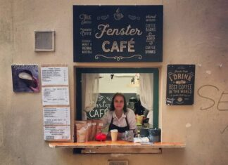 Fenster-Cafe vienna that sells coffee in waffle cones - www.mancimouth.com