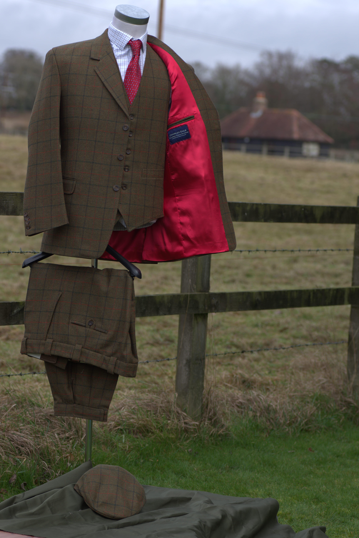 Set_5_3-peice-suit_lining_detail-min