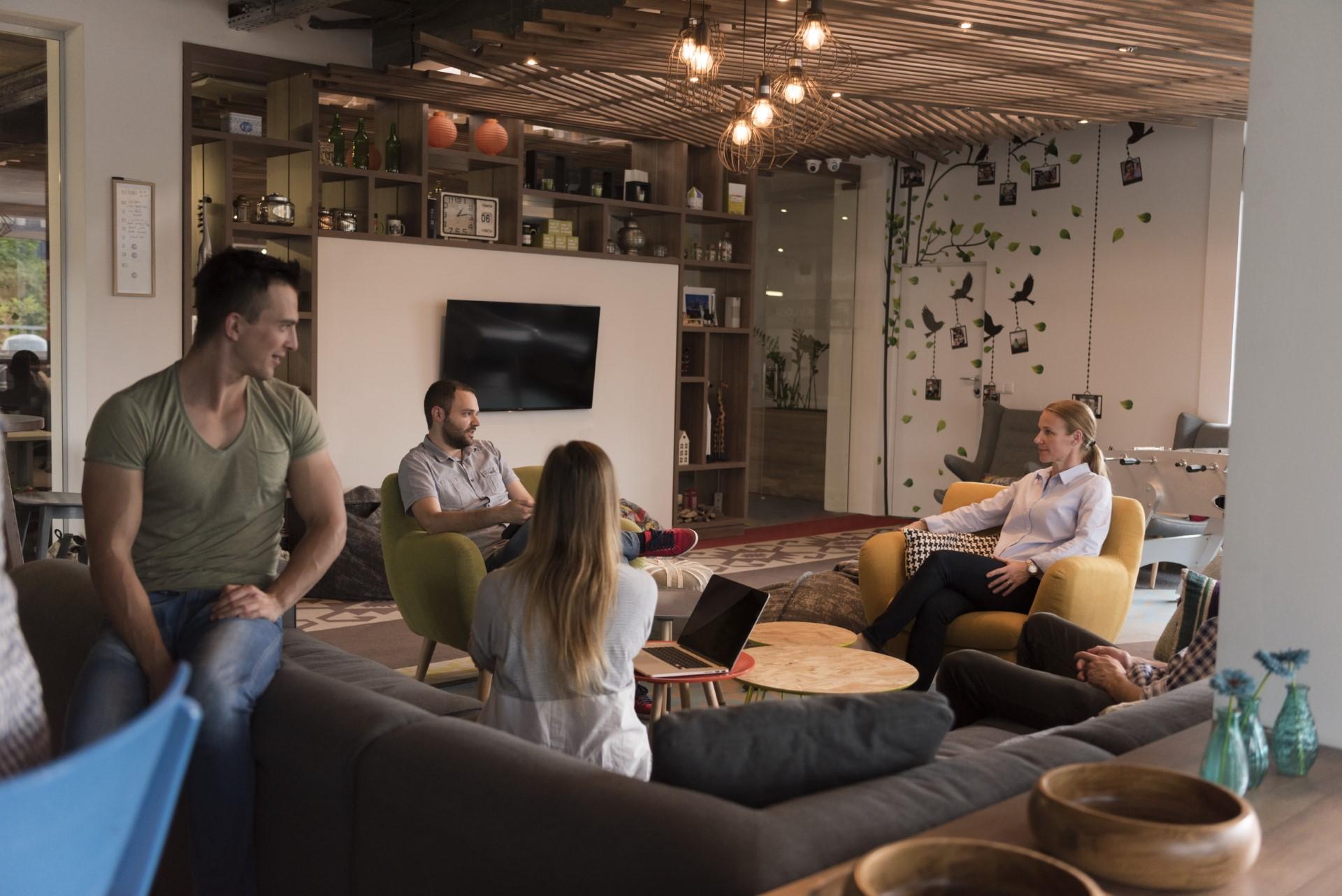 team-meeting-and-brainstorming-PEB7H4D.jpg