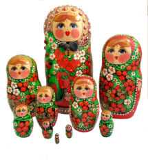 Red toy Matryoshka with strawberries - T2104016